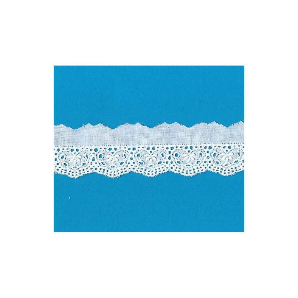Pizzo ricamo sangallo altezza cm.4.5 confezione da metri 13,60 art.51073
