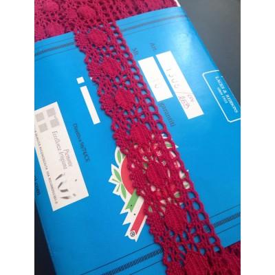 Encaje de Bolillos Festoneado Burdeos Rojo Altura cm.4 Paquete mt.10 Art.1306