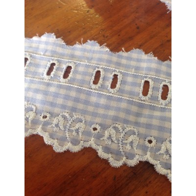 Eyelet Braided Cotton Lace width cm.6.5 pack mt.13.80 Art.SQ101