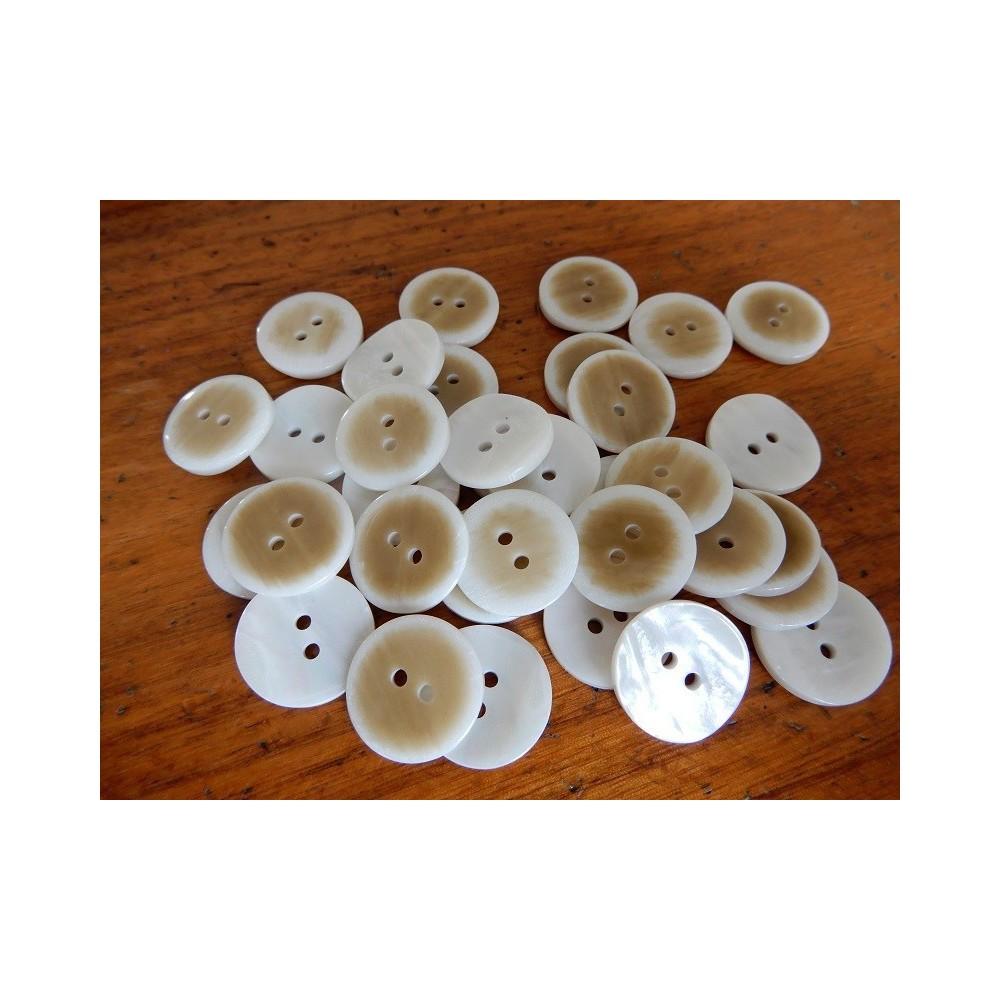 Bottoni 2 fori imitazione madreperla diametro mm.18 confezione da 20 pezzi