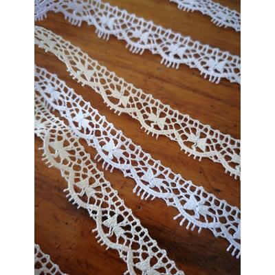 Dentelle Coton largeur cm.1.5 mt.10 pour Bricolage, Couture, Decoration, Art Creatif, Emballage, Scrapbooking Art.1229