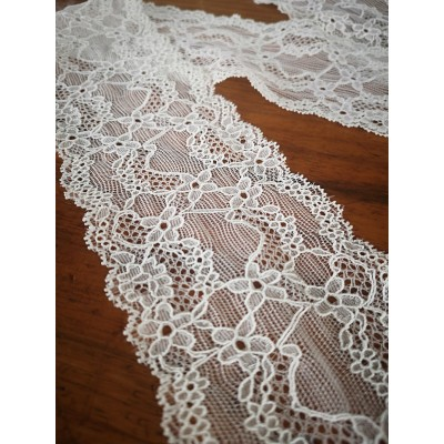 Elastic icory lace ribbon scalloped width cm.8 pack mt.20