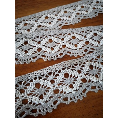 Bobbin Lace Trim Scalloped two tone ivory  Width cm.5 pack mt.10 art.0550