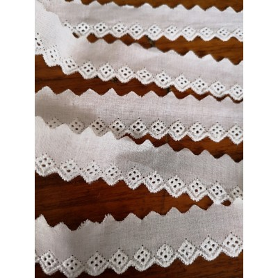 Eyelet Braided Cotton Lace width cm.2 pack mt.13.80 Art.5278