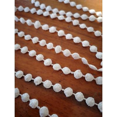 Macrame Ivory Cotton Lace Trim width cm.0.5 pack MT.13.80