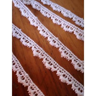 Encaje Macrame Algodon Blanco altura cm.0.8 pieza mt.9.70