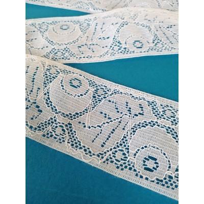 Encaje de nylon rigido blanco con flores altura cm.6 paquete mt.13