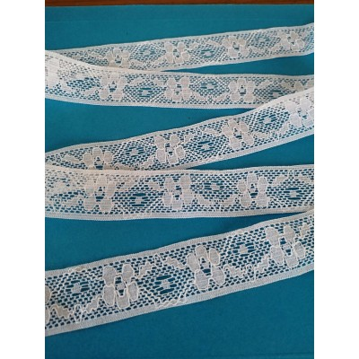 Raschel white edge lace trim rigid with flowers width cm.3 pack mt.16