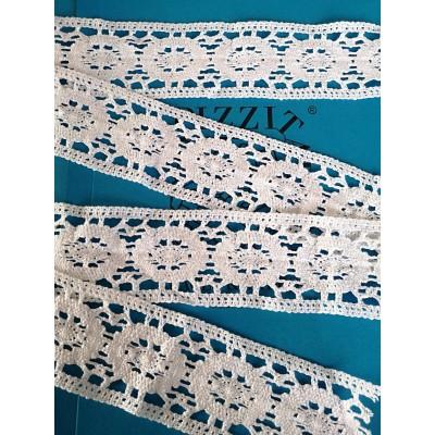 Dentelle aux fuseaux à motif géométrique Hauteur 6,5 cm Pièce 10 m Art.0959