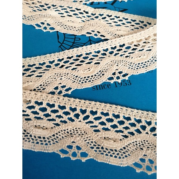 Scalloped Bobbin Lace with Geometric Pattern Height 5 cm Piece 10 m Art.1725