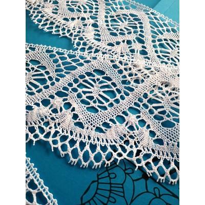 Dentelle aux Fuseaux Festonnée pour rideaux à motif géométrique Hauteur cm.13 Paquet mt.10 Art.1109
