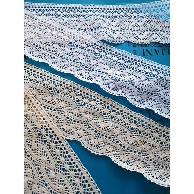 Encaje de Bolillos Festoneado para cortinas con diseño geométrico Altura cm.11.5 Paquete mt.10 Art.1452
