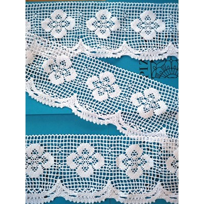 Scalloped Bobbin Lace with floral motif Height cm.13 Piece mt.10 Art.1473