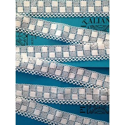 Encaje de Bolillos Puntiagudo de algodón con motivo geométrico Alto cm.6.5 Pieza mt.10 Art.1408