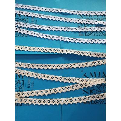 Ruban Dentelle aux Fuseaux de coton Festonnè avec motif géométrique Hauteur cm.2 pièce mt.10 Art.1223