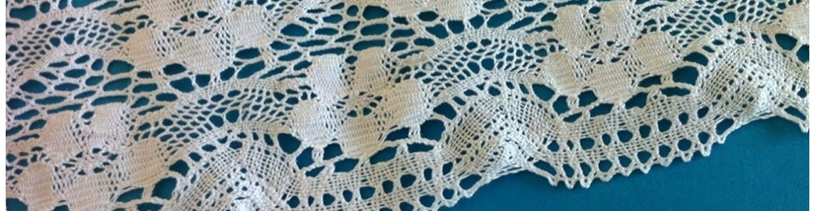 High wide cotton lace trim. Height from cm.10 to cm.28